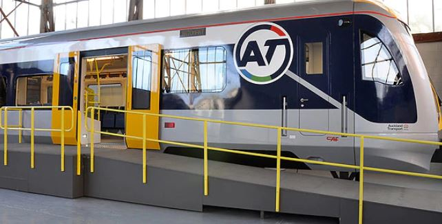 e-AT-train-01